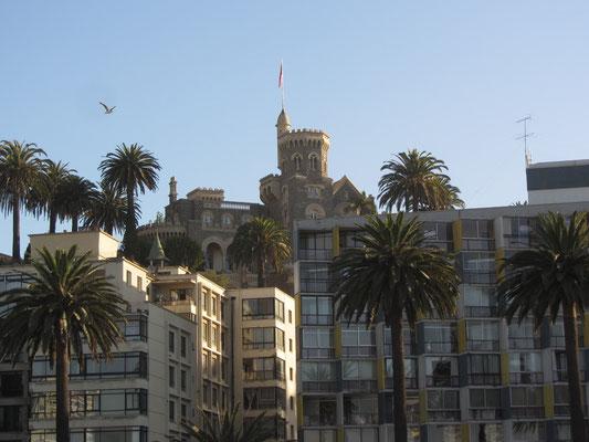 Schlossimitate waren vor über hundert Jahren sehr beliebt für reiche Bürger aus Santiago als Feriendomizile.