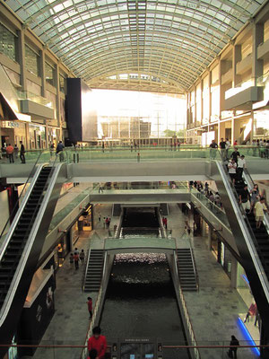 Shopping Mall. (Marina Bay Sands)