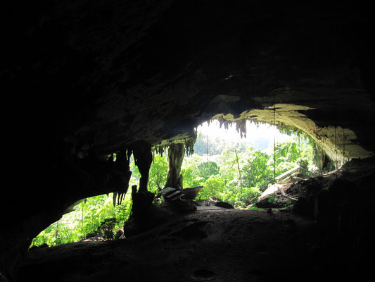 """Auf dem Rückweg wieder durch die """"Great Cave"""". Der Gestank des Fledermauskots ist gräßlich und ein ständiger Begleiter beim Erkunden des Höhlensysteme."""