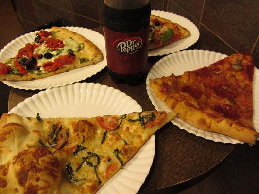 Nächtlicher Pizzasnack in Philadelphia.