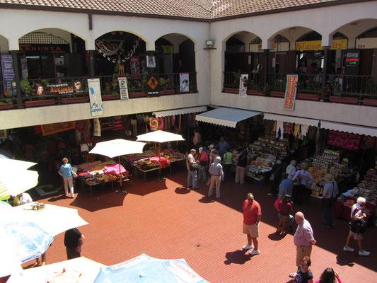 Im teuren und für Touristen ausgelegten Mercado La Recova.