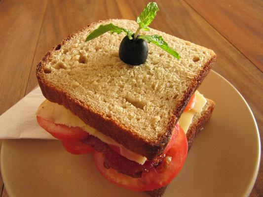 Ein trockenes Sandwich, bestellt in Puri.