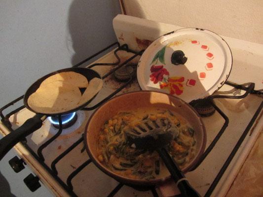Selbstgekocht ist halb gewonnen. In der Küche unserer Gastgeberin in San Cristobal de las Casas.