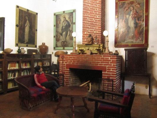 In der Bücherei von Na Bolom.