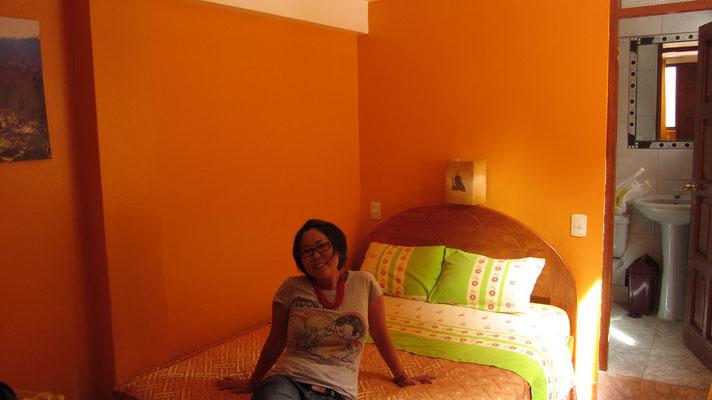 Nach zähen Verhandlungen war unser Hotelzimmer spottbillig. Die Preise muss man aber kennen.