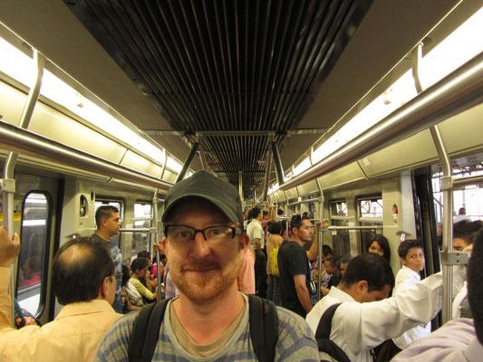 Stolzer Metrofahrgast.