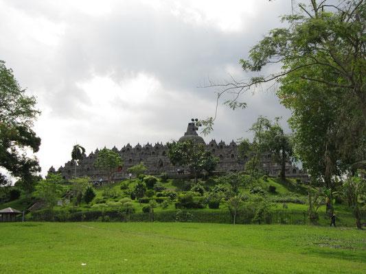Der 1200 Jahre alte, buddhistische Borobodur-Tempel ist das Wahrzeichen Javas.