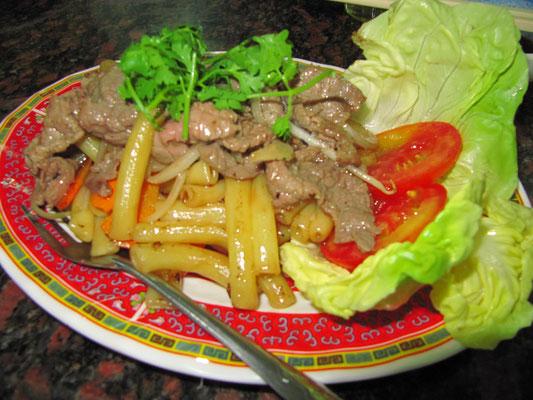Maccaroni mit Rindfleisch.