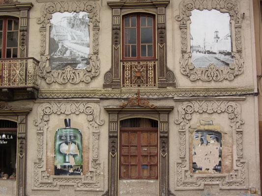 Prunkvolle Stadthausfassade.