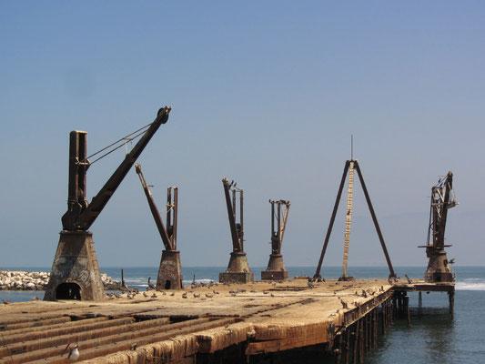 Alte Hafenkräne.