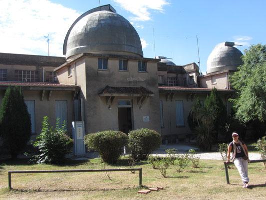 """Das Planetarium war die wichtigste Sternwarte der Südhalbkugel bis 1920 ist heute mit einem kleinen Museum ausgestattet. Nach der Sternwarte wurde das Stadtviertel """"Barrio Oberservatorio"""", in dem sie liegt, genannt."""