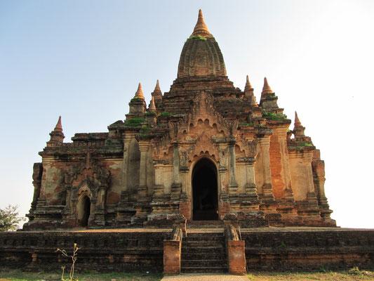 Der Htilominlo-Tempel, Hti-lo-min-lo, (Nr. 1812); ist ein buddhistischer Tempel. Er wurde unter König Nandaungmya (reg. 1211–1230) in den ersten Jahren seiner Regierungszeit vollendet und ist damit einer der letzten großen, in Bagan gebauten Tempel.
