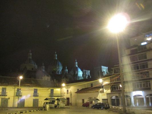 Die Kathedrale bei Nacht.