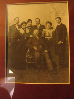 Familienfoto der deutschen Auswanderer, die dieses Haus bewohnten.