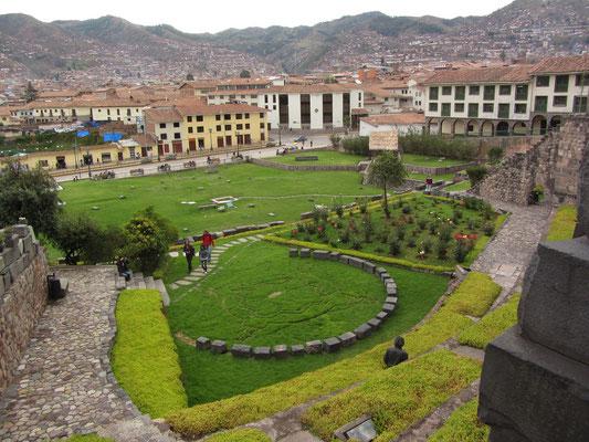 """Die Coricancha war der heiligste Ort, an dem die Inka Hochzeiten, Krönungen, Bestattungen und Riten von """"nationaler"""" Bedeutung feierten."""