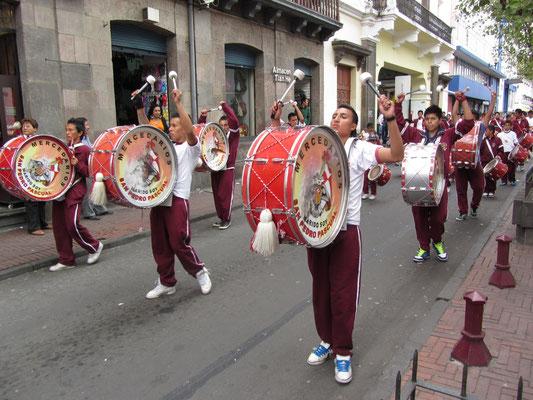 Straßenparade.