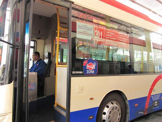 """Die neuen """"Rapid Penang""""-Busse kommen jetzt sogar mit Wifi."""