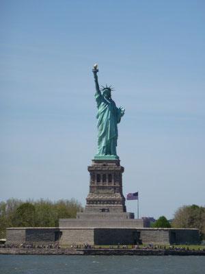 Da ist das Ding! - Die Statue ist seit 1924 Teil des Statue of Liberty National Monument und seit 1984 als Weltkulturerbe der UNESCO klassifiziert.