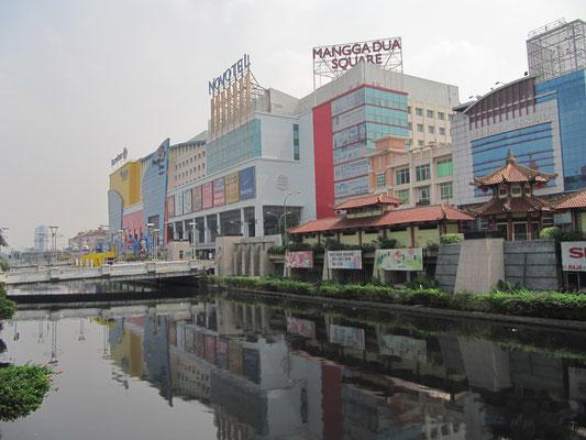 Der Nangga-Dua-Square. Der Apltraum eines jeden Shoppers.