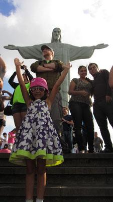 Jeder will ein Foto vor der Christusstatue und manchmal ist es einfach besser sich im Hintergrund zu halten.