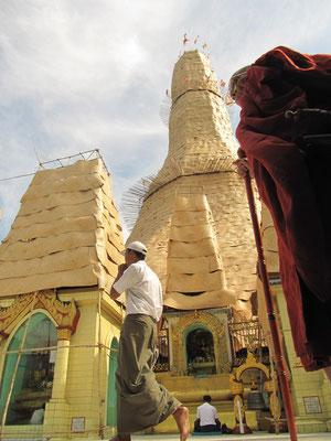 Sule Paya während Renovierungsarbeiten.