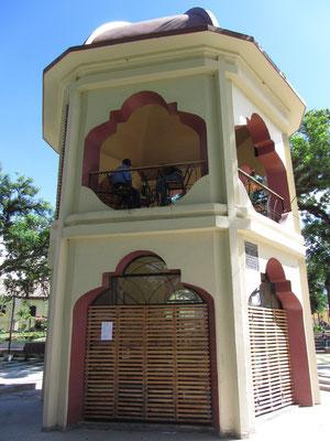 Die ehemalige Touristeninformation im Parque Central mußte einem Cafe weichen.