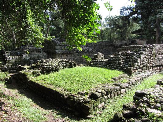 Las Sepulturs beherbergte über 250 Einwohner in 40 oder 50 Gebäuden um 11 Innenhöfe herum.