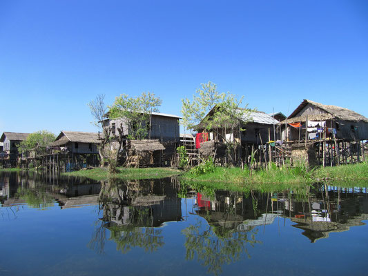 Stelzenhäuser eines der Dörfer.
