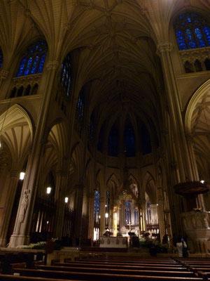 Besondere Gedenkgottesdienste wurden in der Kathedrale nach dem Tod von Andy Warhol und Joe DiMaggio abgehalten.