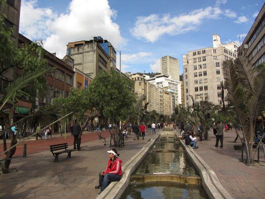Pause am Kanal auf der Avenida Jiminez.