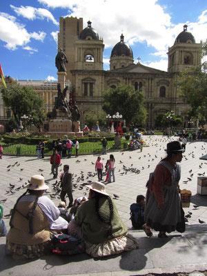 Die 1835 erbaute Kathedrale von La Paz grenzt ebenfalls an den Plaza Murillo.