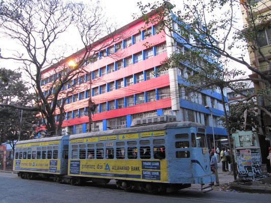 Die Straßenbahn aus britischen Kolonialzeiten. Ein Riesenerlebnis mit 5 km/h durch die Stadt zu holpern.
