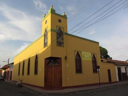 Eine einsame Kirche.