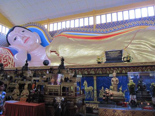 Der Schlafende Buddha. (Wat Chaiyamangkalaran)