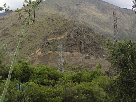 Die massive Festung über Ollantaytatambo.