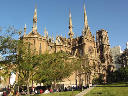 Die neogotische Kapuzinerkirche Sagrado Corazón in Nueva Córdoba.