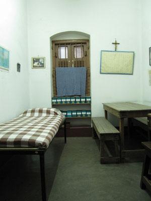 Mutter Teresas Zimmer in dem sie bis zu ihrem Tod schlief und arbeitete.