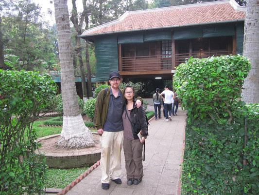 Dieses hölzerne Stelzen-Haus bewohnte Bac Ho (Onkel Ho) von 1958 bis zu seinem Tod 1969.