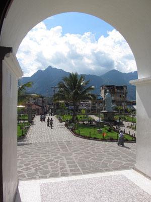Blick aus der Kirche auf den Zentralpark.