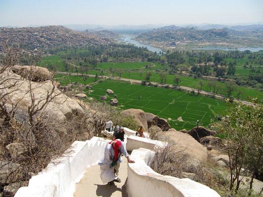 Steil ist der Weg, der zum Tempel führt.