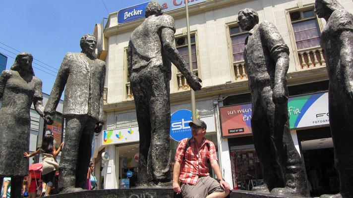 Monument auf dem Paseo Prat.
