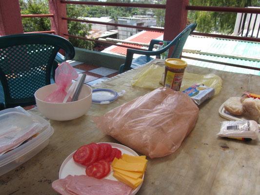 Frühstück in San Pedro La Laguna.