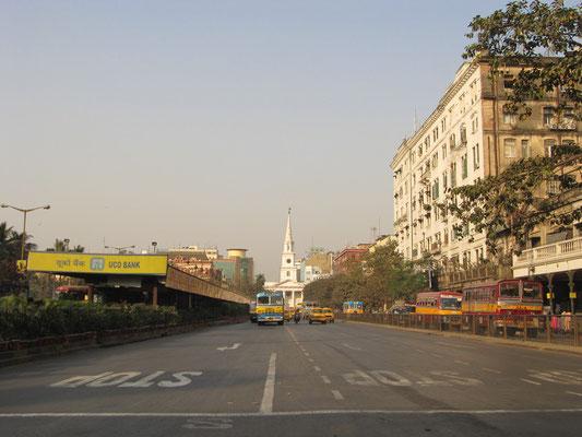 Kolkatas kolonial-historischstes Viertel mit der Sankt Andrew's Church im Hintergrund.