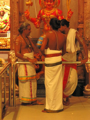 Im Sri Veeramakaliamman Temple. (Little India)
