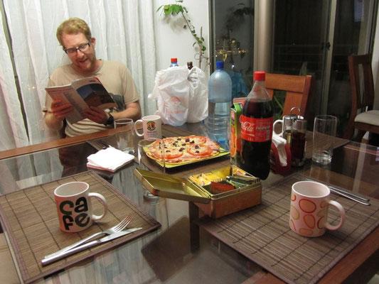 Zur Begrüßung wurde gleich Pizza für uns gebacken.