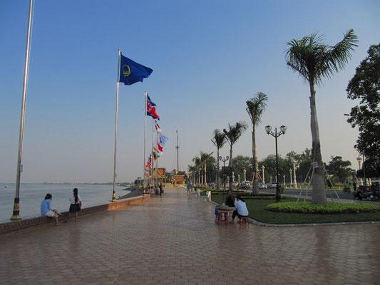 Uferpromende des Tonle Saps.
