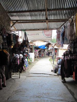 Geschäfte an der Hauptstraße.