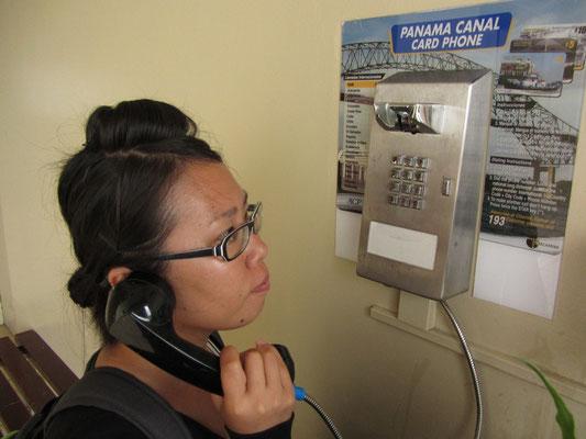 Panamakanalkartentelefon. - Tschüss!
