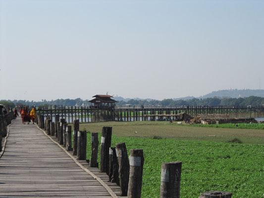 U-Bein-Brücke. (Amarapura)