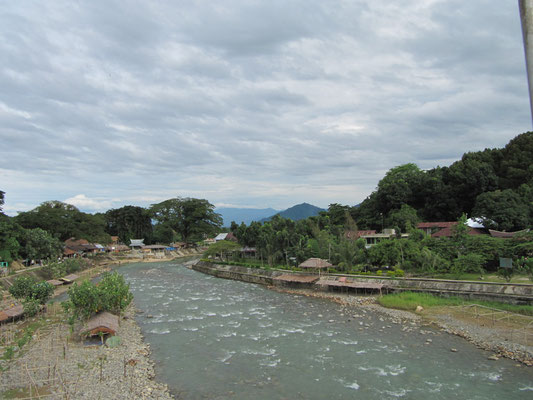 Der Sungai Bohorok (Bohorok Fluss).